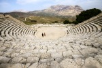 Ancient_Greek_theatre_Segesta996